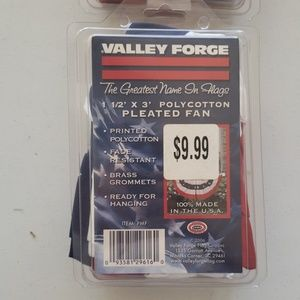 Valley Forge Accents - Pleated American Flag Fan